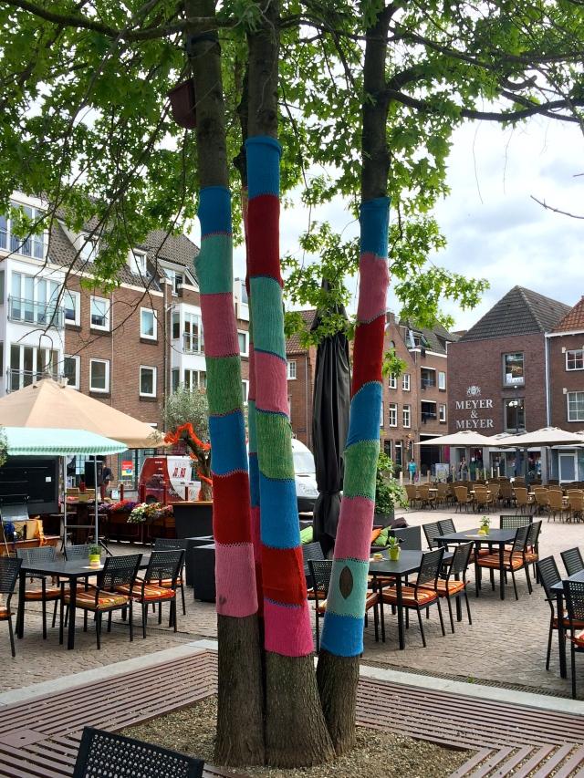 StreetArt Venlo, Urban Knitting, Foto: Sebastian Hartmann