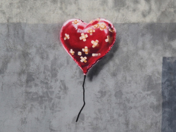 banksy-bandate-heart-new-york-0